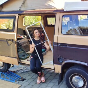 @vanlife_volver_a_lo_simple_ have taken to opportunity to strip their VW Bus out and renovate it. Photo by: @vanlife_volver_a_lo_simple_